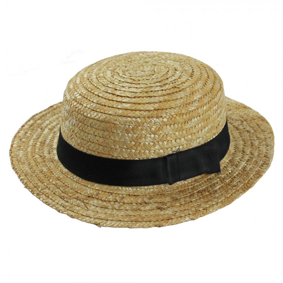 The Skimmer was for many decades the gentleman's straw hat of choice. Often associated with sailing, boating, barber shop quartets, jazz bands, and the like. With its lightweight straw construction and casual air, the Skimmer/Boater hat became a classic summer gentleman's hat. Pair it with a smart.